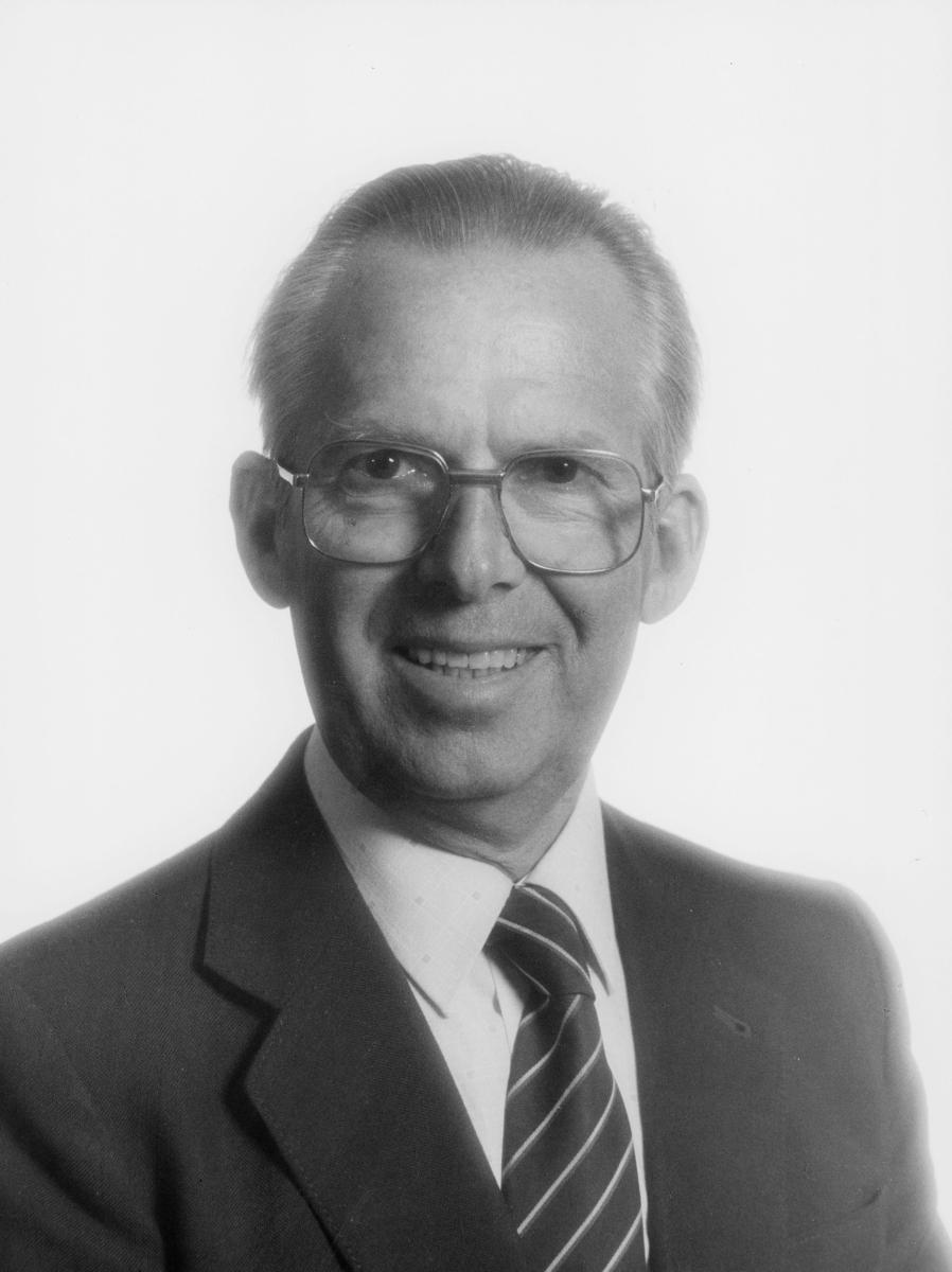 postmester, Leikarnes Sverre, portrett