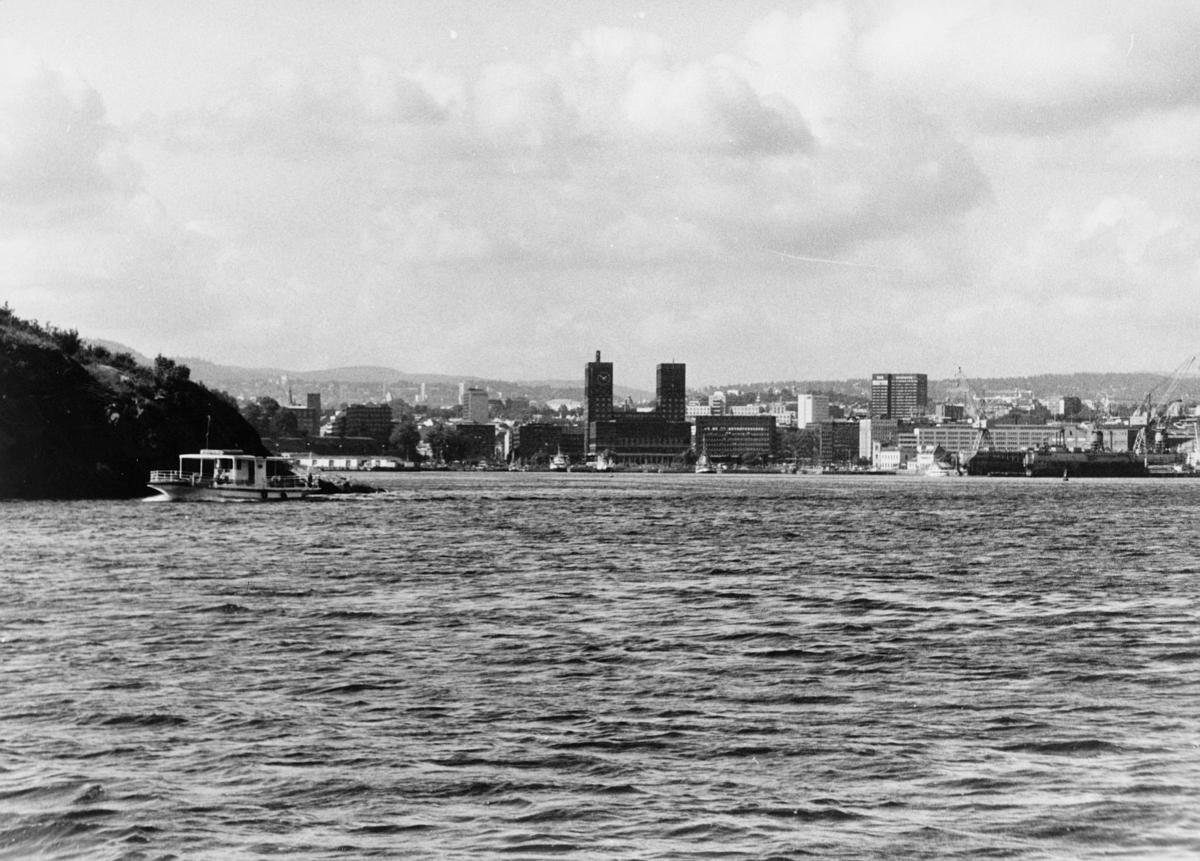 norgesbilder, Oslo havn, vann, båter, bygninger