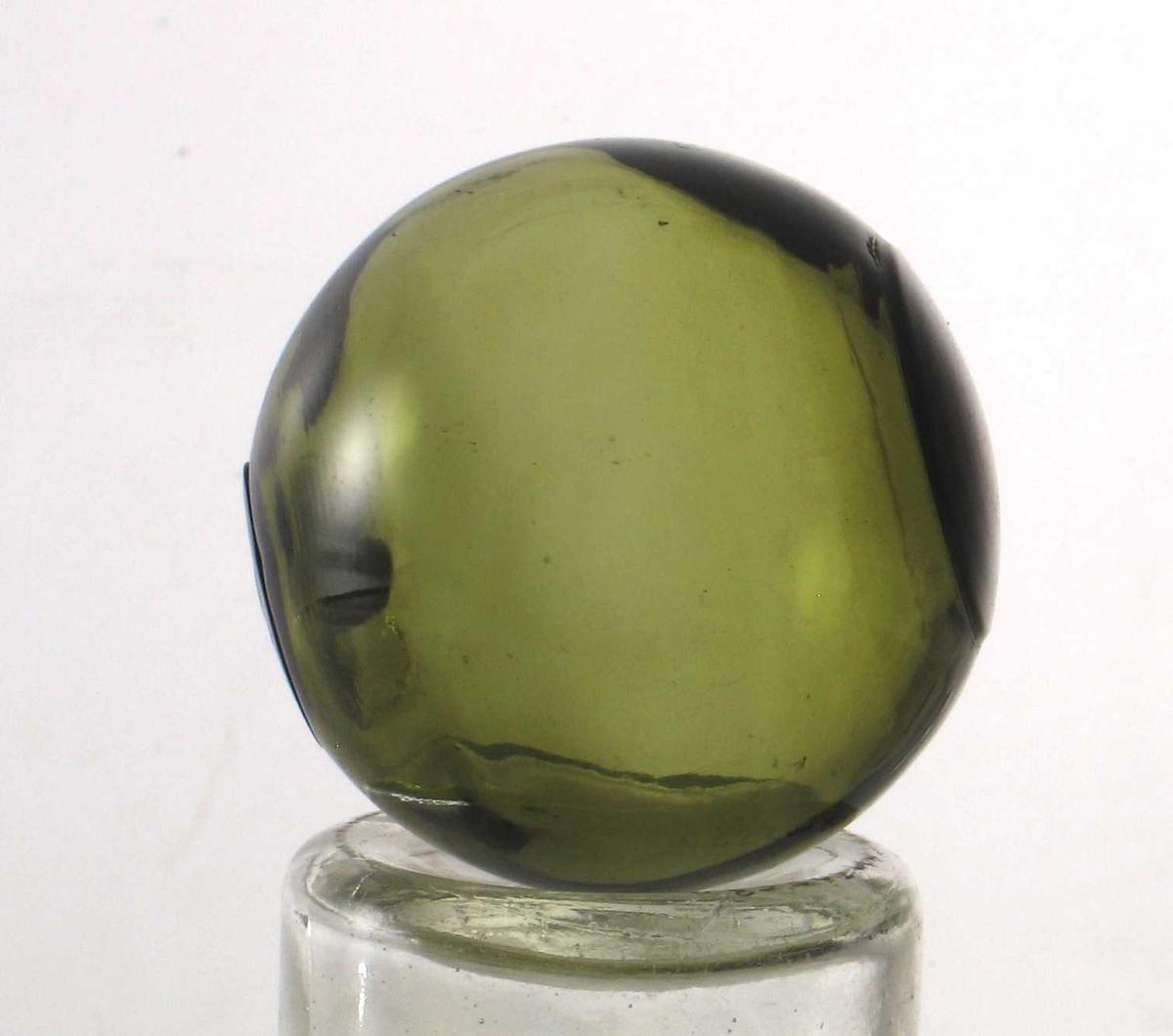Glasskule, grønn farge.