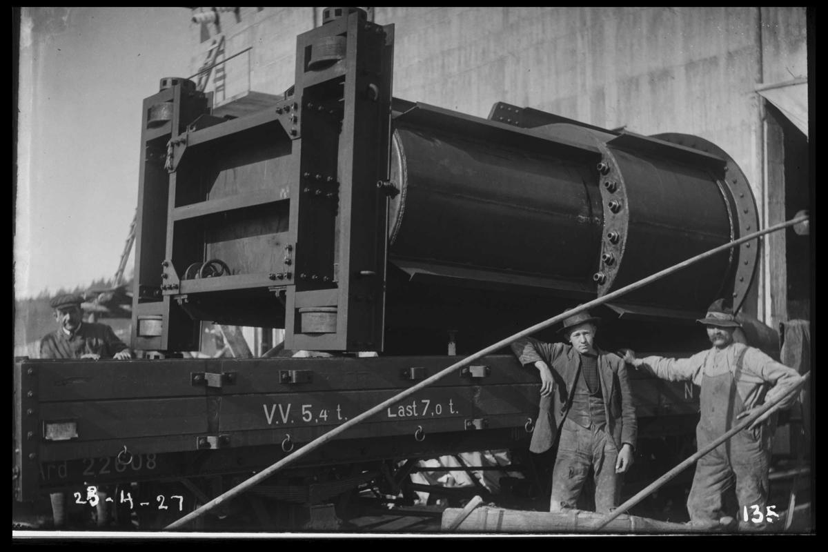 Arendal Fossekompani i begynnelsen av 1900-tallet CD merket 0468, Bilde: 23 Sted: Flaten Beskrivelse: Transformator på jernbanevogn
