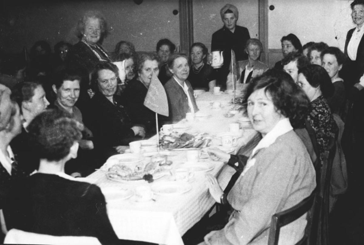 Møte Folkets hus kvinnegruppe.