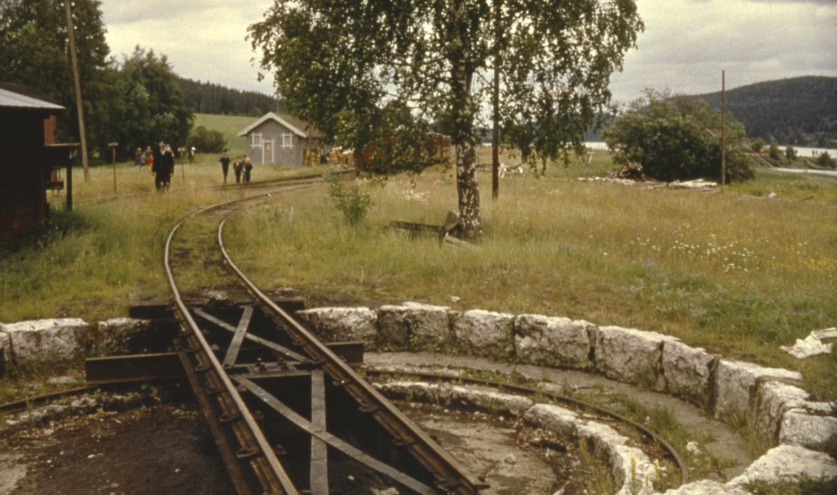 Ved svingskiven på Skulerud stasjon.