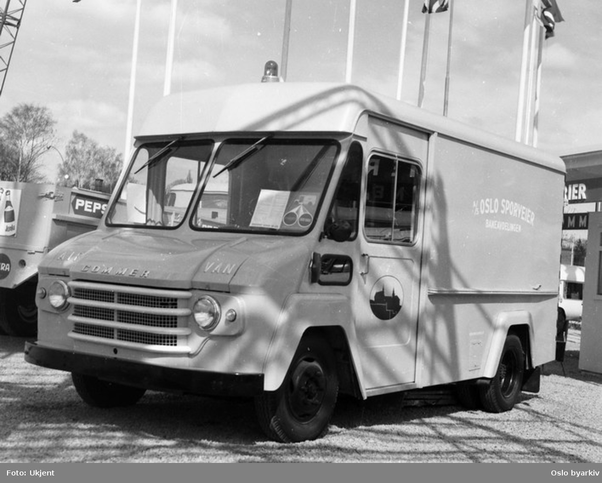 Oslo Sporveier. Commer varebil for baneavdeling til sporveien.