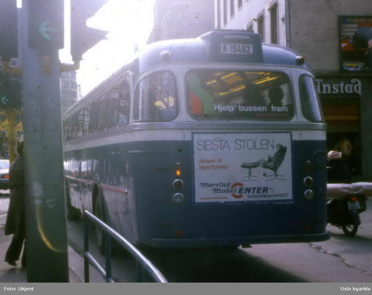 Buss, De Blå Omnibusser, DBO buss A-15462 i Storgata.