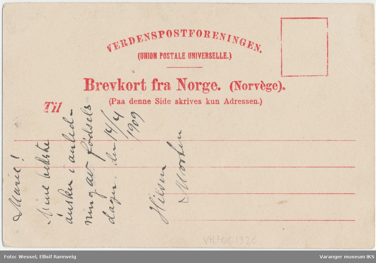 Postkort, båter i Nordre Våg, sett fra Valen, Tollbodkaia til venstre, nordlandsbåt i forgrunnen