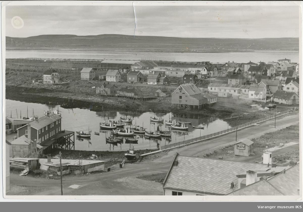 Søndre Våg, sett fra kirketårnet, antatt 1957