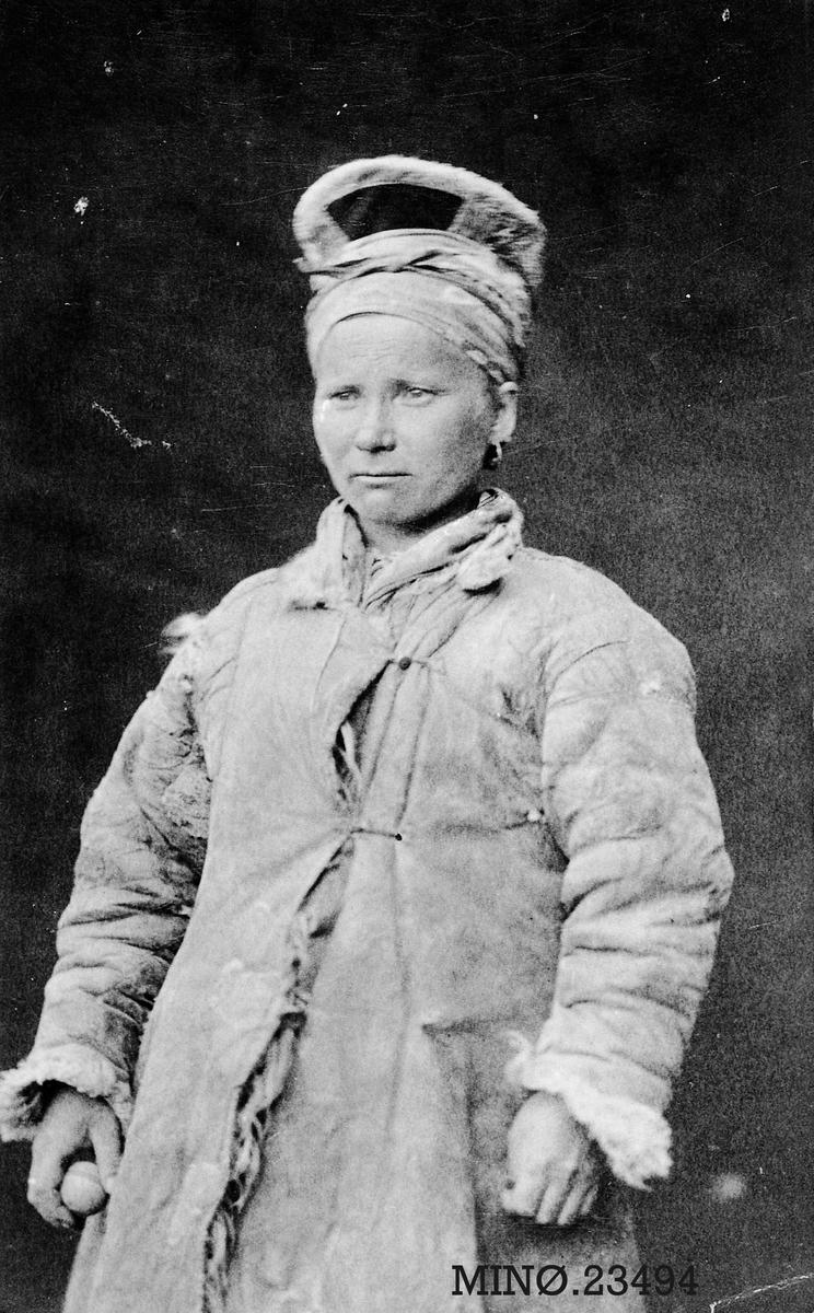 Portrett av samekvinne