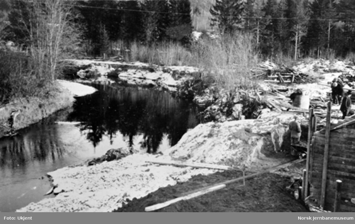 Bru over Somma ved pæl 1160+5 : elvas utgraving