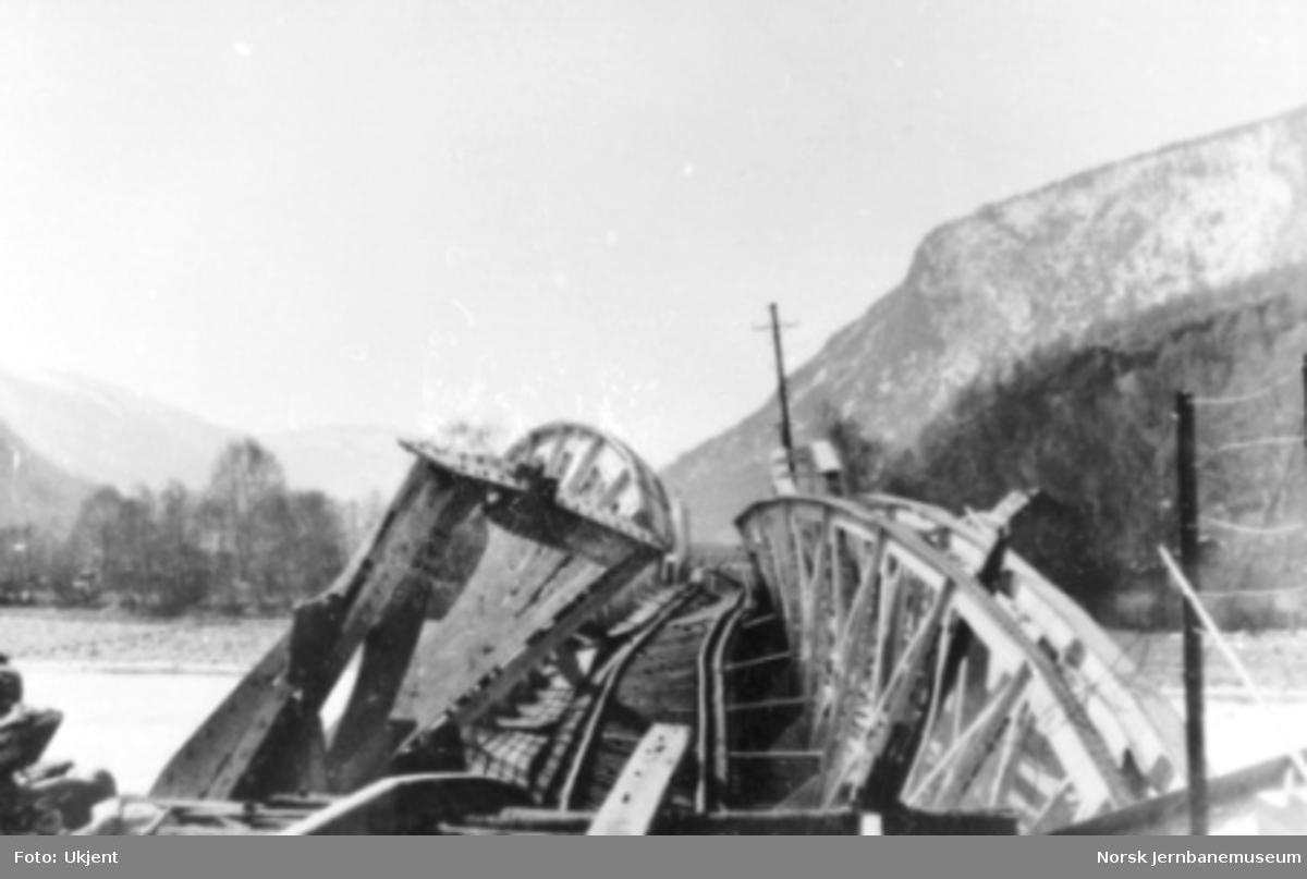 Bru over Otta sprengt av norske styrker april 1940