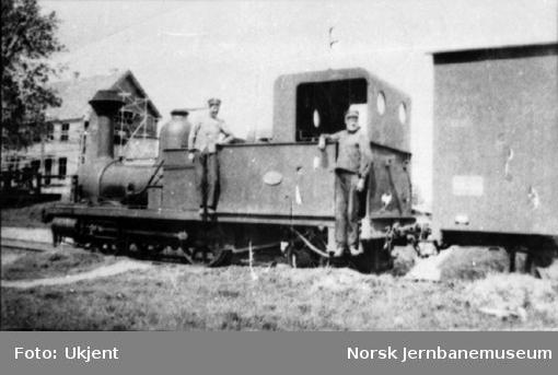 Klevfoss Cellulose og Papirfabrikks lokomotiv nr. 19 på Ådalsbruk stasjon