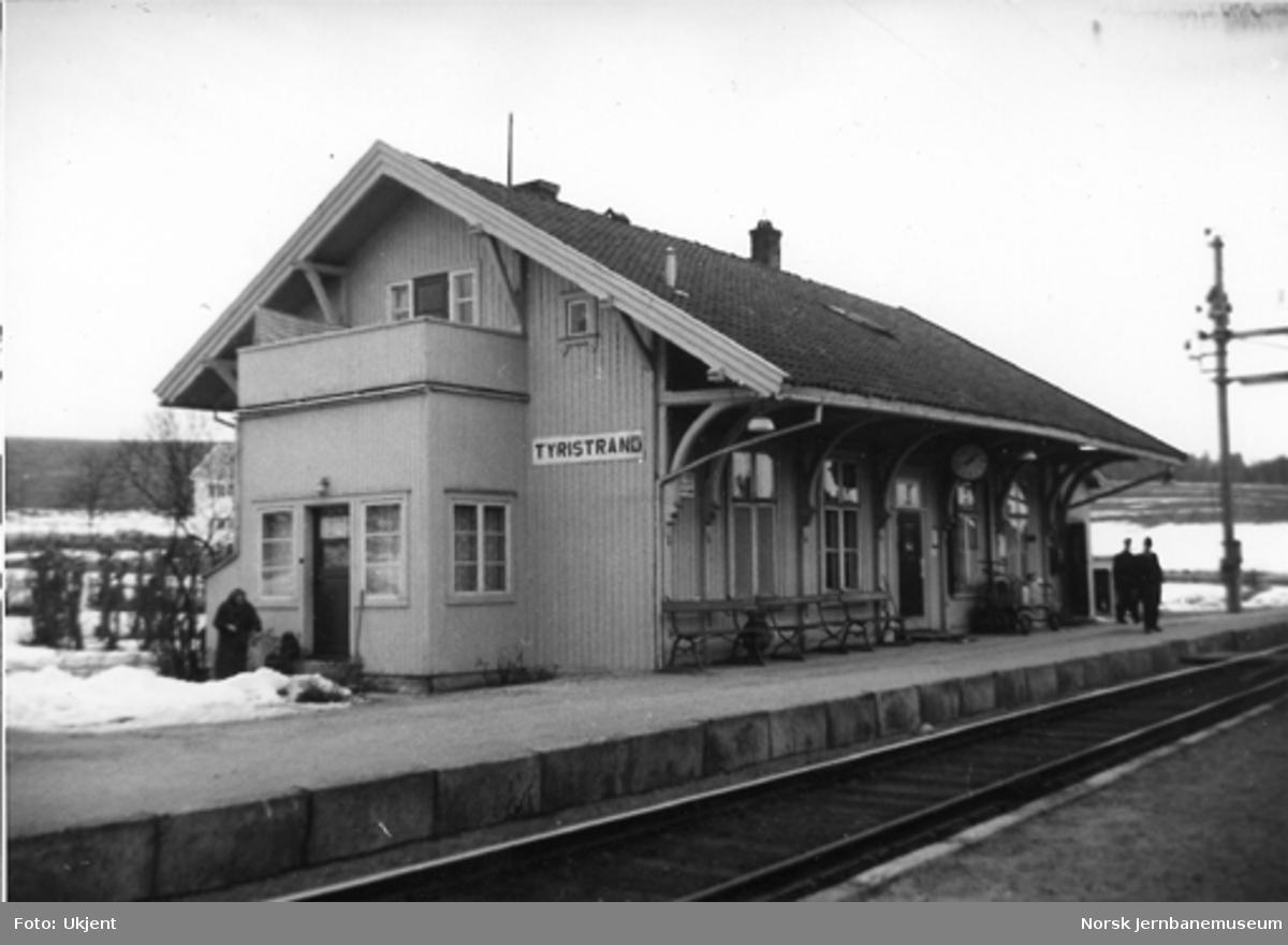 Tyristrand stasjonsbygning