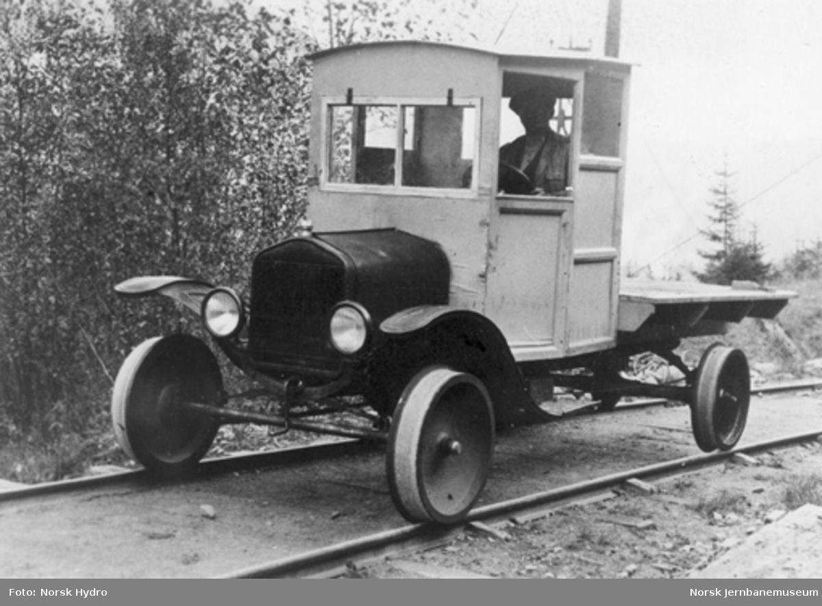 Skinnegående Ford T-lastebil på Vemorklinjen