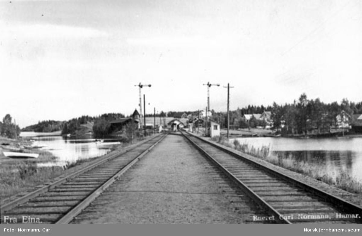 Innkjør Eina stasjon fra sør