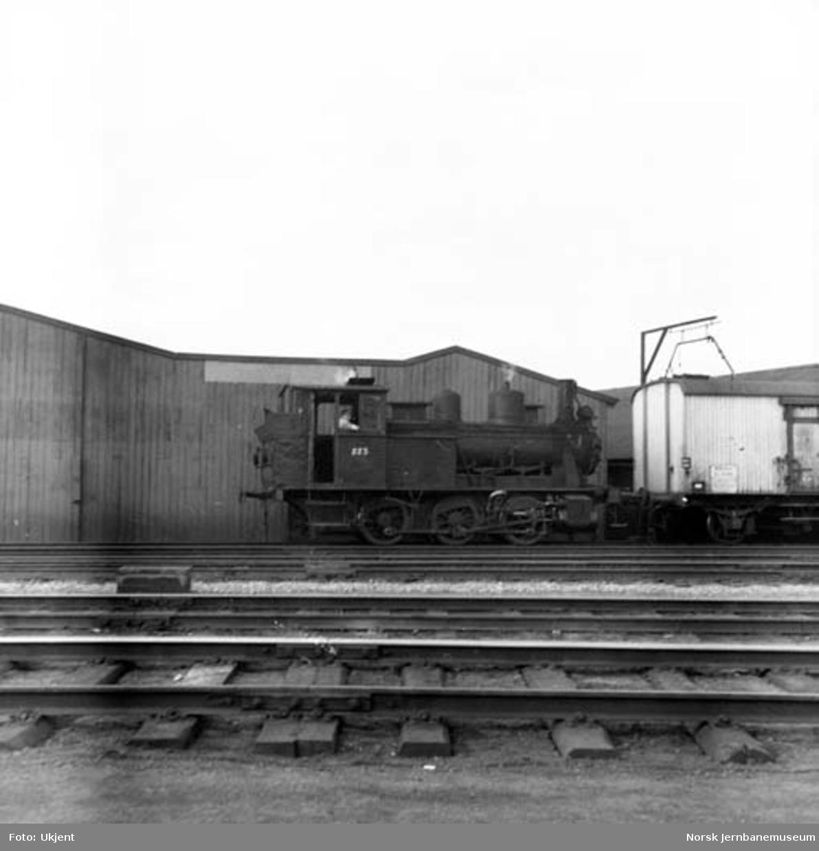 Damplokomotiv type 25a nr. 223 på Trondheim stasjon