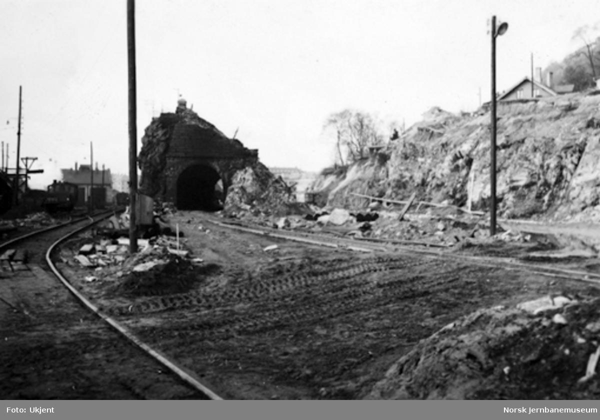 Bergen stasjon : fjellet og Sejersberget tunnel er under bortsprengning