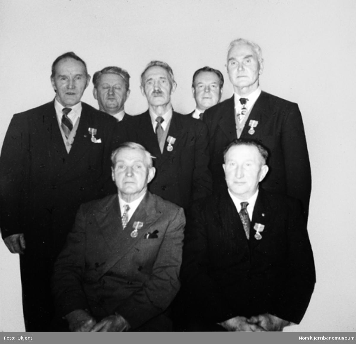 Fem anleggsarbeidere på Nordlandsbanen tildelt Kongens fortjenstmedalje