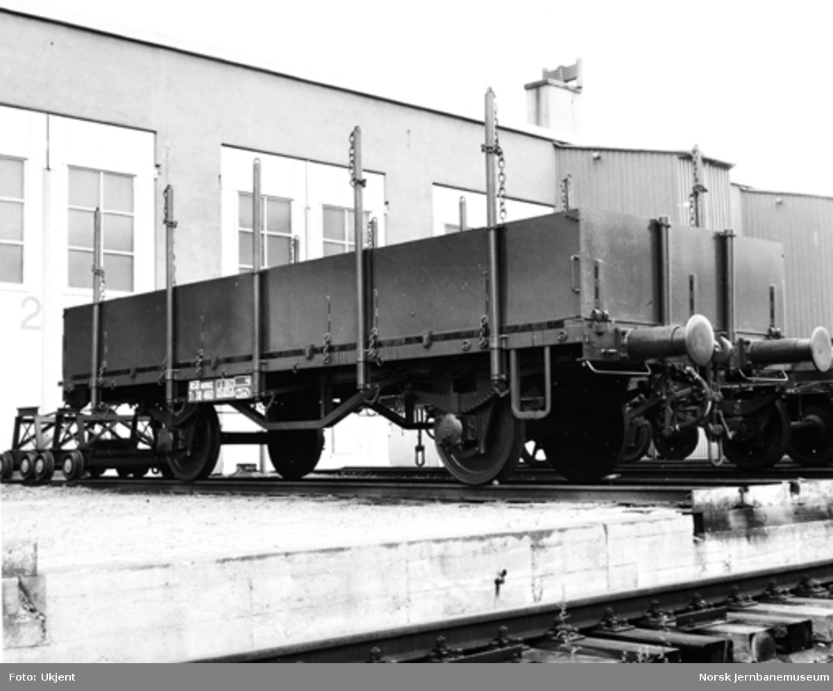 NSB Verkstedet Kvaleberg : godsvogn litra Tl nr. 38460 bygget på gammelt understell