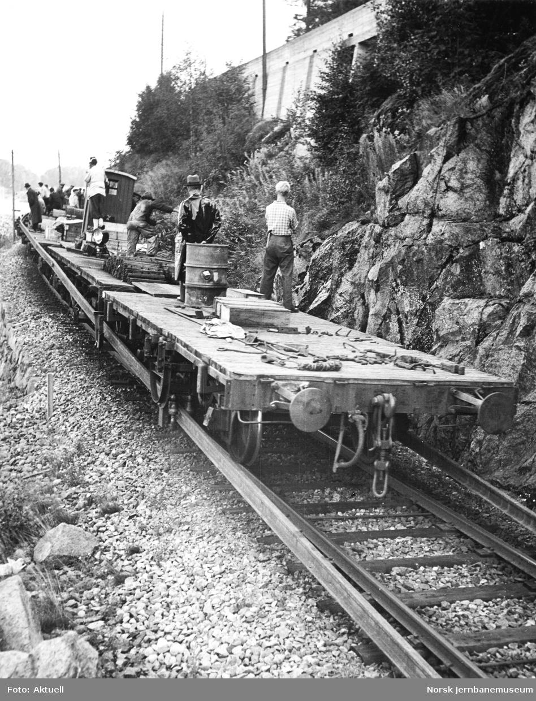 Utkjøring og lossing av skinner på Vestfoldbanen