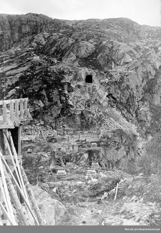 Bru ved Norddalsenden : fundamentering av pillarer
