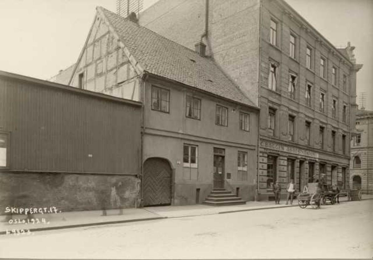 Skippergt. 17, Oslo. Fotografert fra gata.