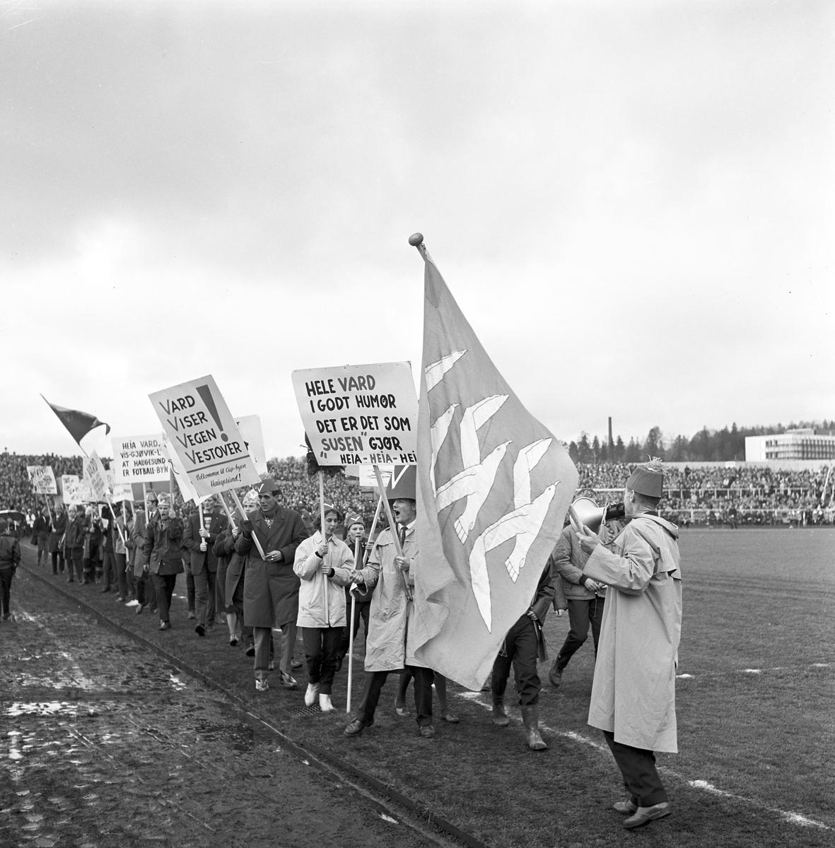 Fotball, cupfinale på Ullevål stadion mellom Gjøvik-Lyn og Vard,  oktober 1962