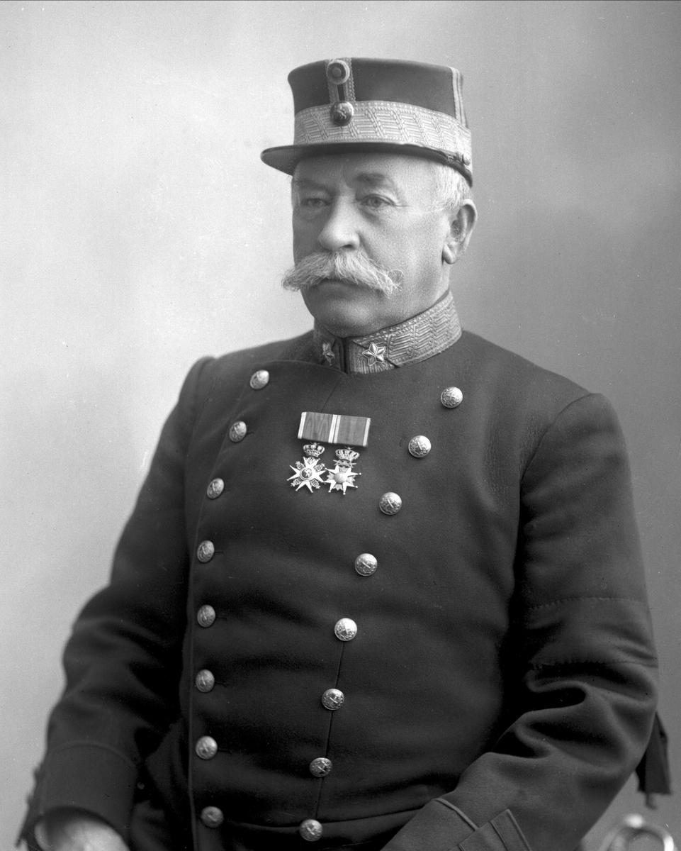 Portrett, Henrik Steffens Hagerup i uniform som general.