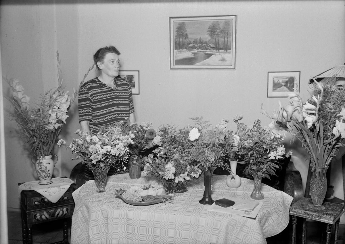 Födelsedagsporträtt - Alma Johansson, Kungsängsgatan 46, Uppsala 1947