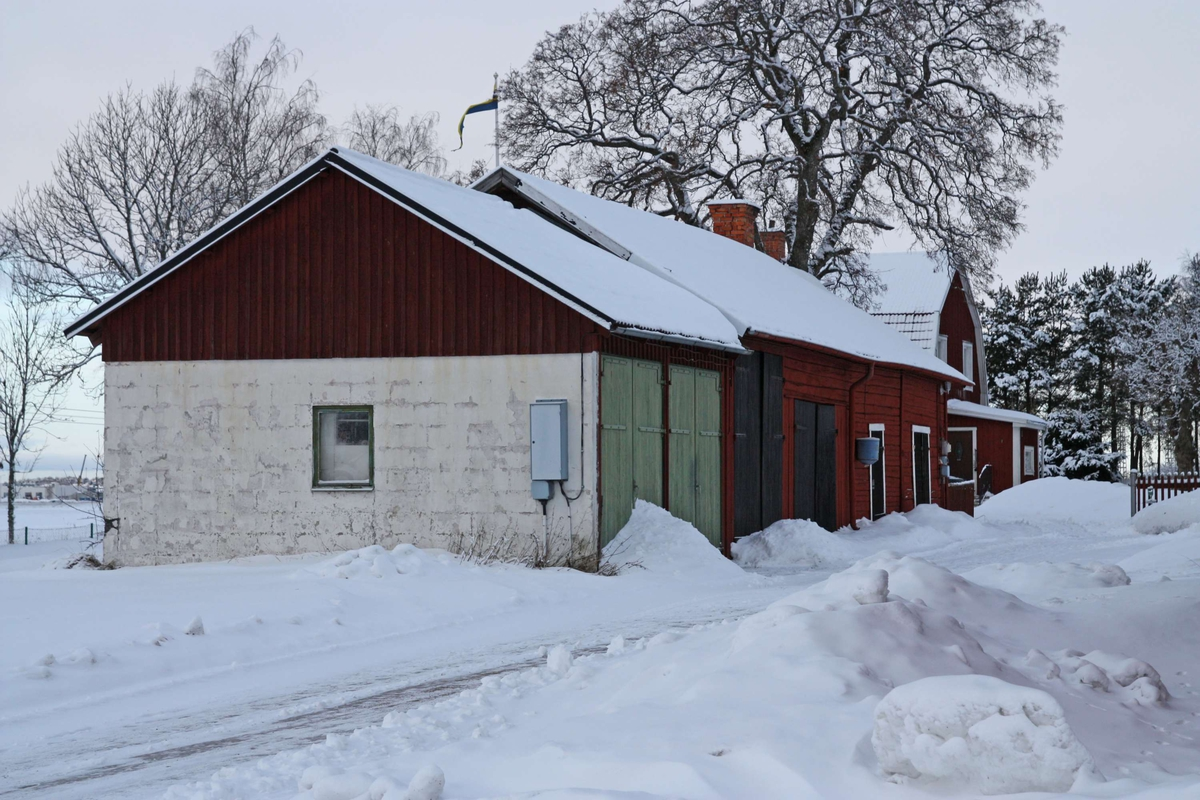 Gård på fastigheten Danmark 1:3, Bärby, Danmarks socken, Uppland 2011