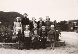 Barn på Øydneskleiv i Konsmo.