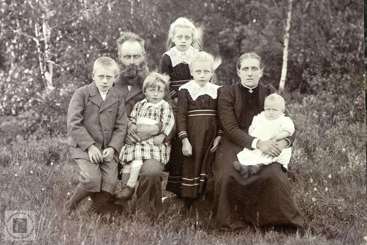 Familiebilde fra traktene omkring Grindheim.