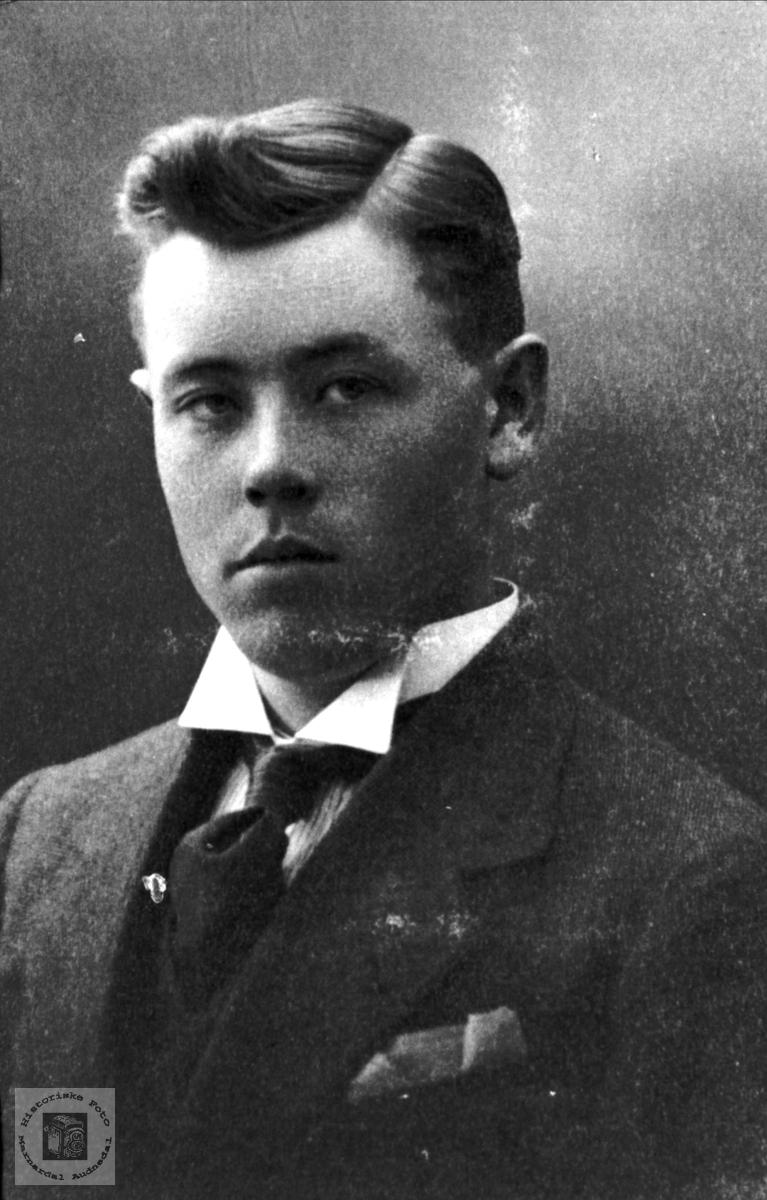 Portrett av Fredrik Torkelson Bjerland, Bjelland.