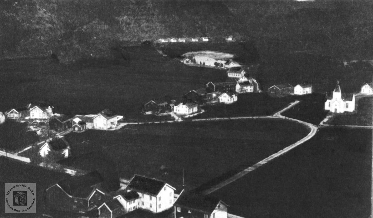 Øyslebø gården før 1910.
