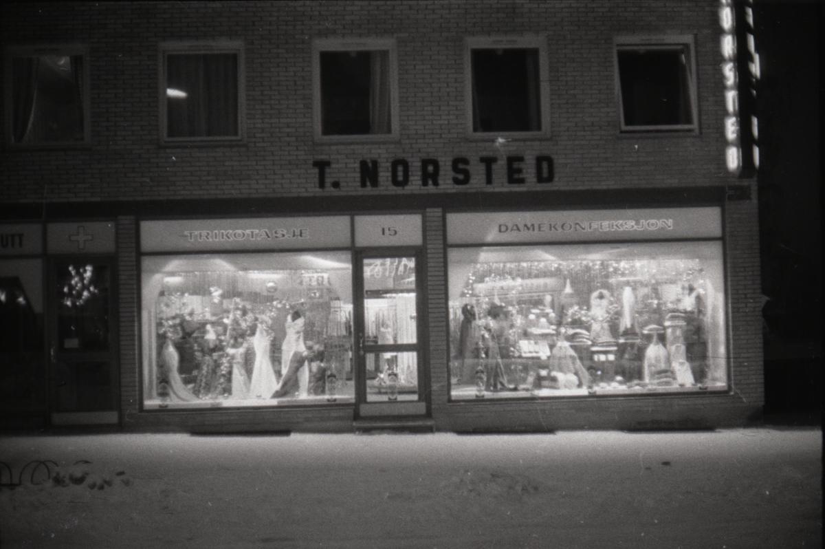 Butikkvinduer, Norsted. Leiret, Elverum.