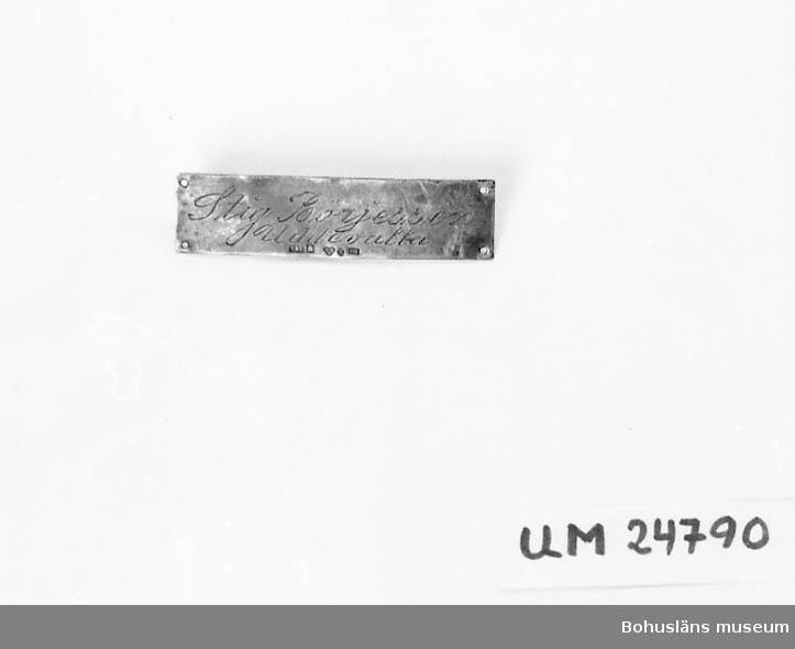 """594 Landskap BOHUSLÄN  Text:""""Stig Börjesson Uddevalla"""". Ett hål i varje hörne. Har suttit på ryggsäck UM24239."""