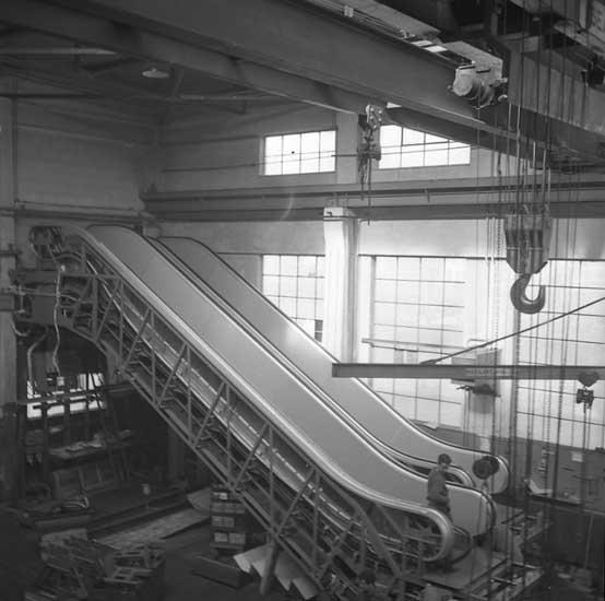 Tillverkning av rulltrappor.