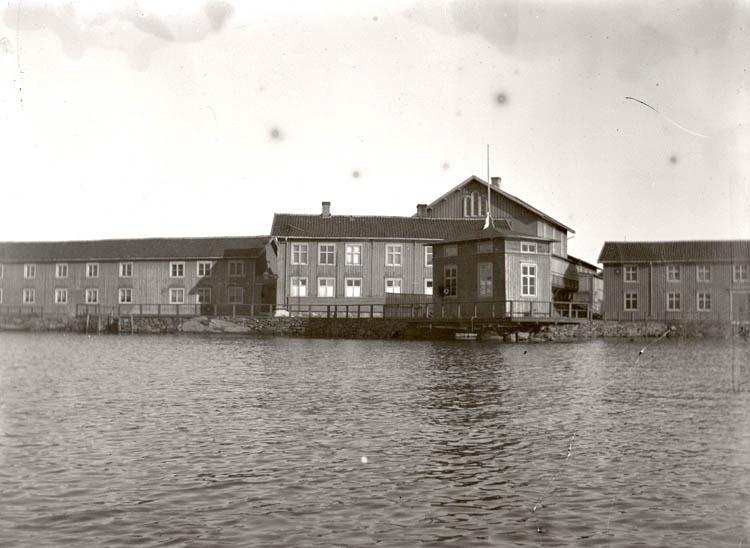 2 vyer av Arvidsvik, odaterade.
