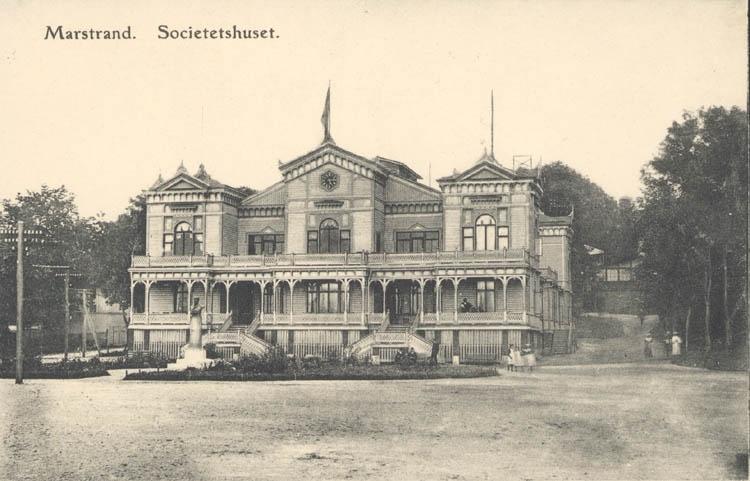 """Tryckt text på kortet: """"Marstrand. Societetshuset."""""""