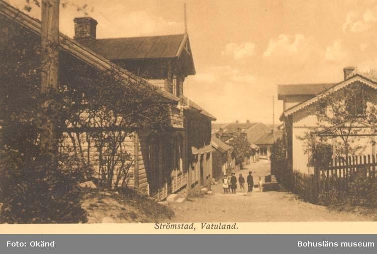 """Tryckt text på kortet: """"Strömstad. Vatuland.""""  ::"""