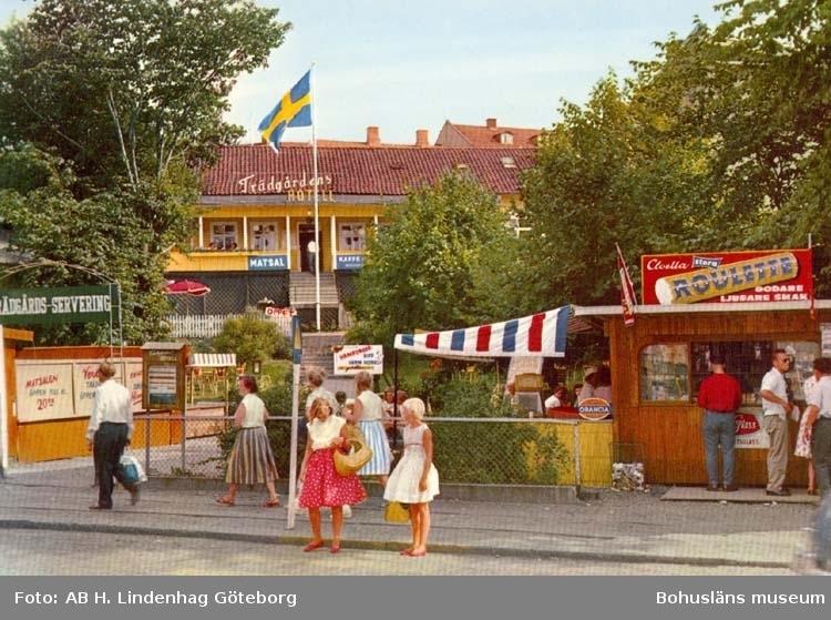 """Tryckt text på kortet: """"Strömstad, Trädgårdens Hotell och Terrasservering."""""""