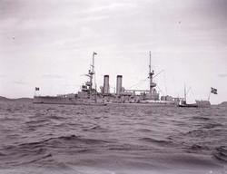 """Enligt text som medföljde bilden: """"(Norge). Pansarbåt."""" ::"""