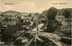 """Tryckt text på vykortets framsida: """"Uddevalla Tunneln, Vadba"""