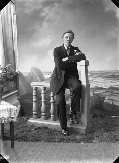 """Enligt fotografens journal nr 3 1916-1917: """"Karlsson, Valdemar Nösnäs Här""""."""