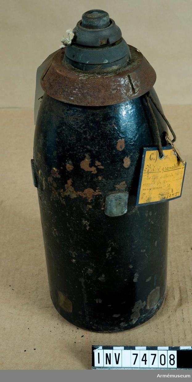 Grupp F:IV.  Blind granatkartesch med lätt dubbelrör m/1885, utgörande exercisammunition för 12 cm framladdningskanon m/1870.