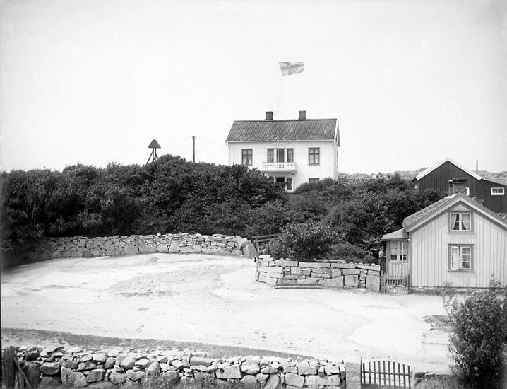 Troligen tjänstevilla, tillhörig stenhuggerierna på Bohus-Malmön.