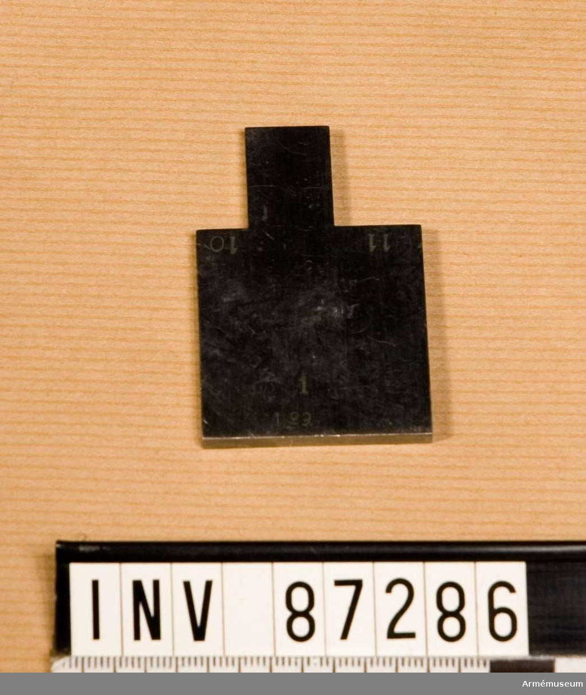 Grupp E XIII (överstruket) VIII.   Krypbleck till låsdelar.