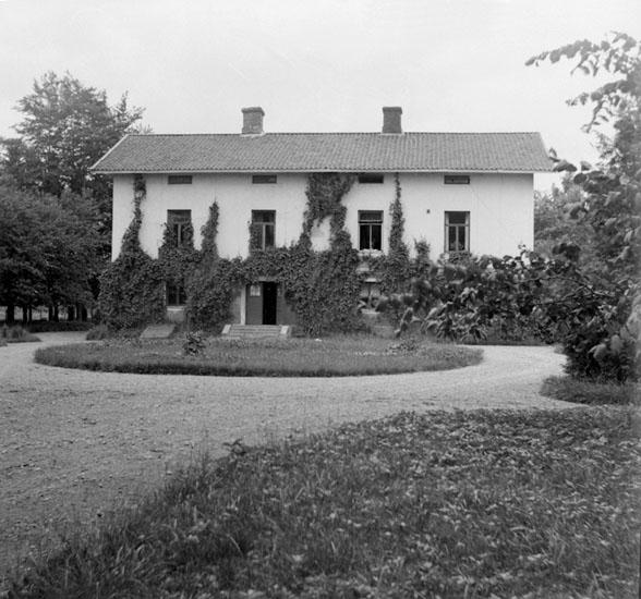 Forstena gård vid Hunneberg, Västergötland. 7 Juli 1928. (Stereo karta XIX)