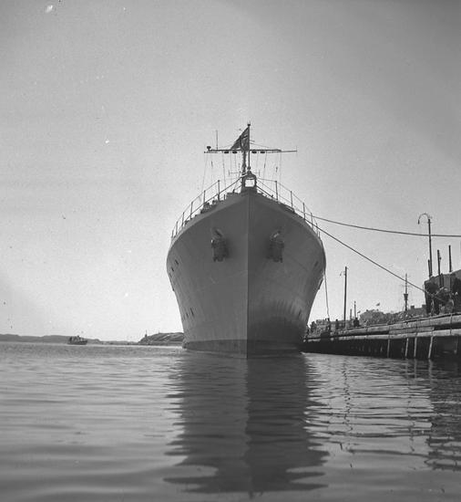 """Text till bilden: """"Flottbesök. 1948.06.25"""""""