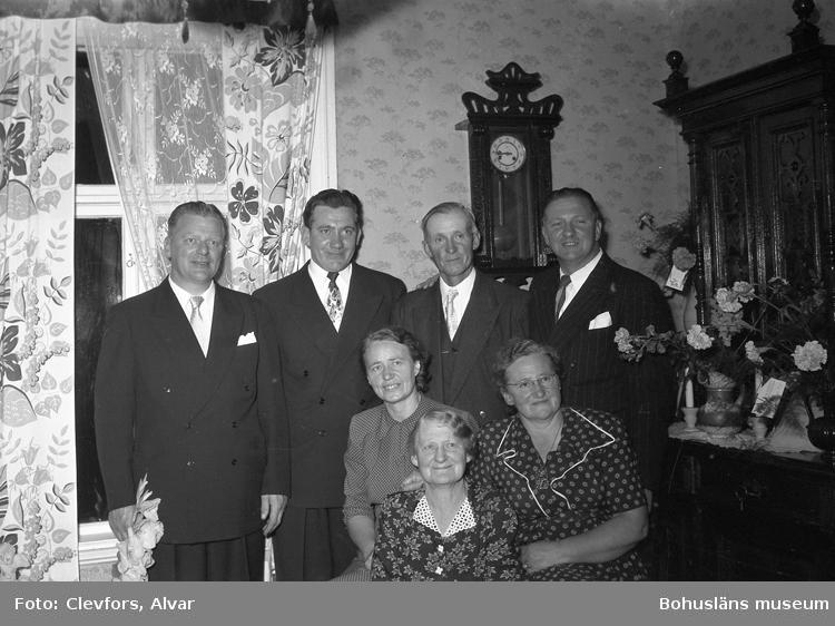 """Text till bilden: """"Fru Berg, Landsvägsgatan 32. 1952.09.13""""           i"""