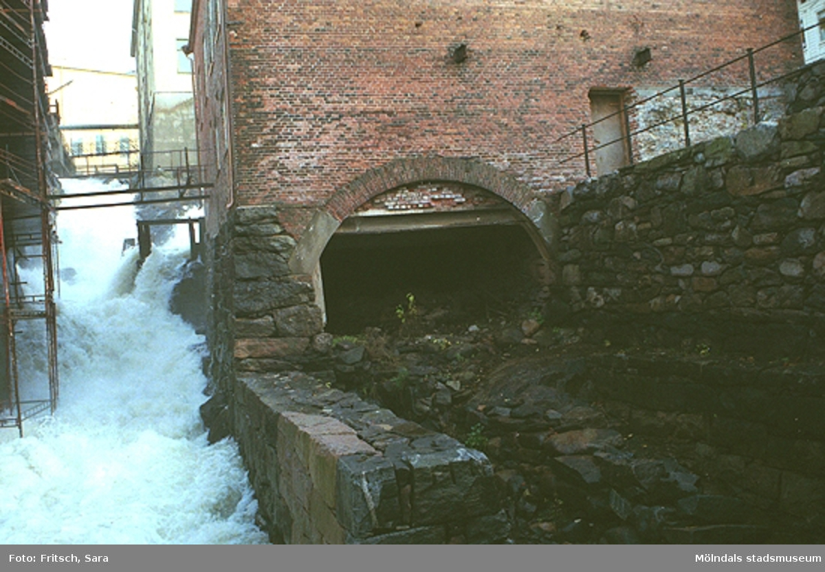 Forsen i Mölndals Kvarnby, 1996.