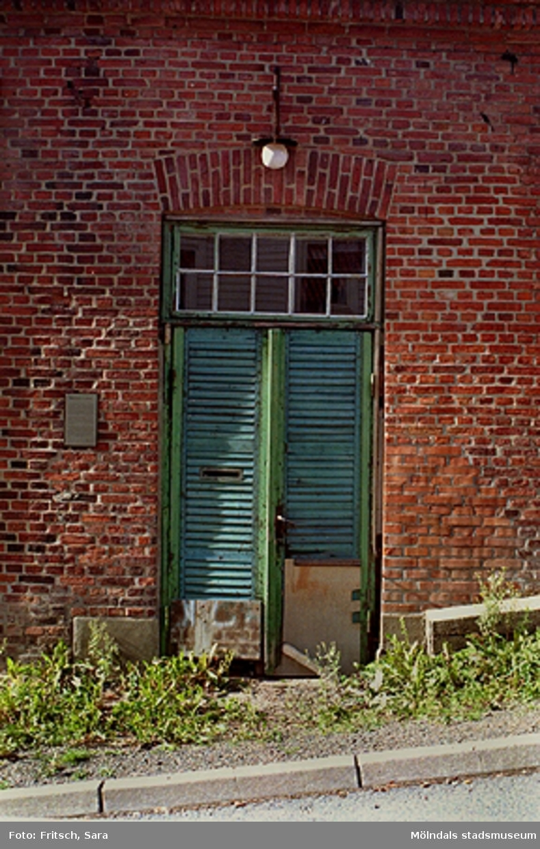 Dörr i Mölndals Kvarnby, 1996.